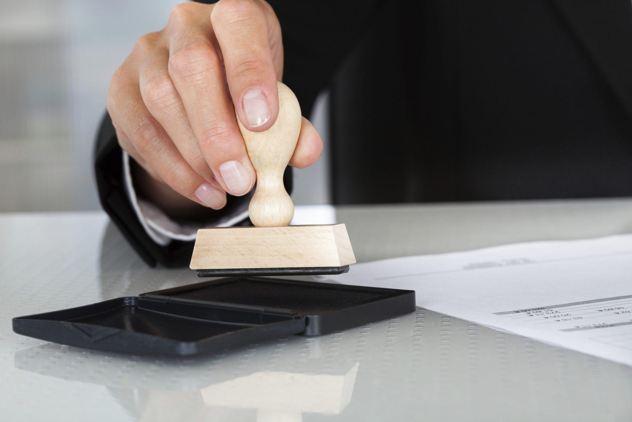 تقاضای ابطال مبایعهنامهای که بر اساس آن حکم به تنظیم سند رسمی صادر شده