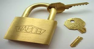 منشاء ایجاد حق سرقفلی محل کسب، فروش این حق توسط مالک است.