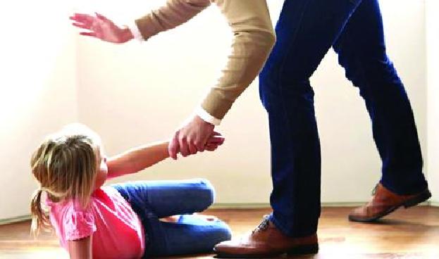 ضرب و جرح پدر نسبت به فرزند صغیر خود