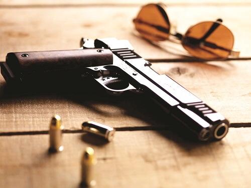 استفاده کردن پلیس از سلاح برای تنبیه مجرمان ممنوع است