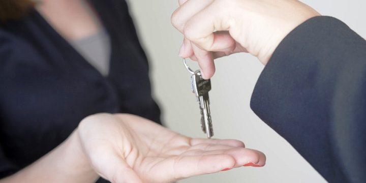 اثر اجاره دادن (انتقال منافع) محل کسب توسط ورثه مستأجر