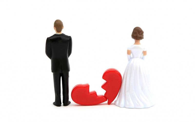 طلاق چیست و قانون در مورد حق طلاق زن و مرد چه می گوید؟