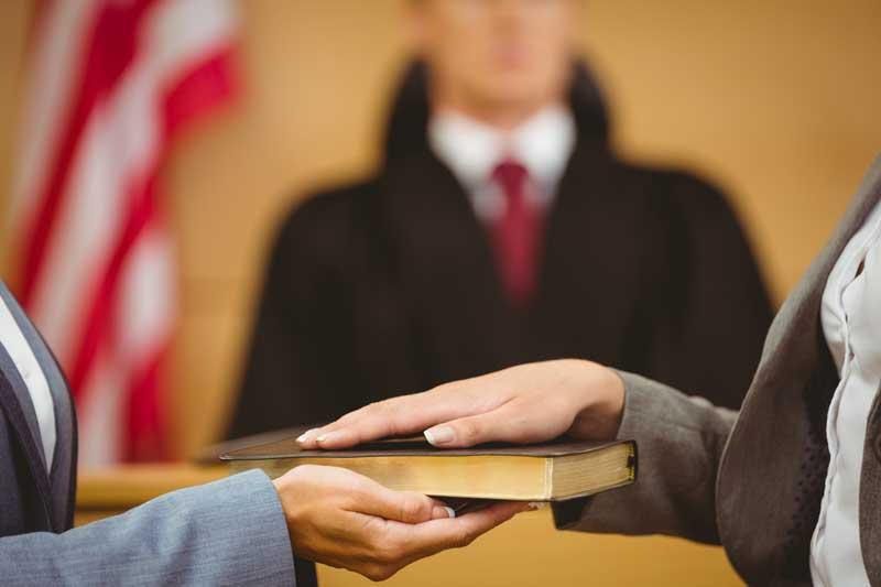 شاهد-دادگاه-